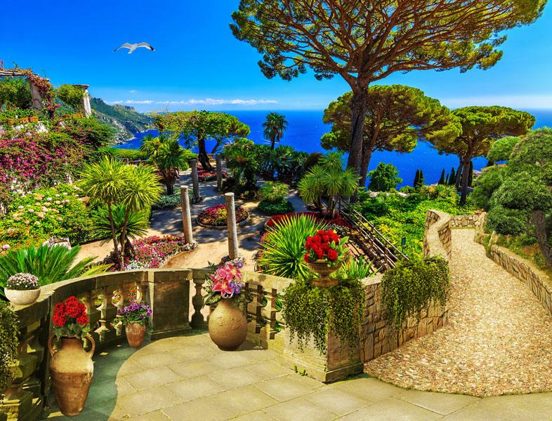 Фотошпалери тераса, балкон, море, квіти