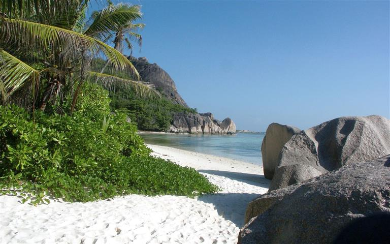 Фотообои море камни океан пляж