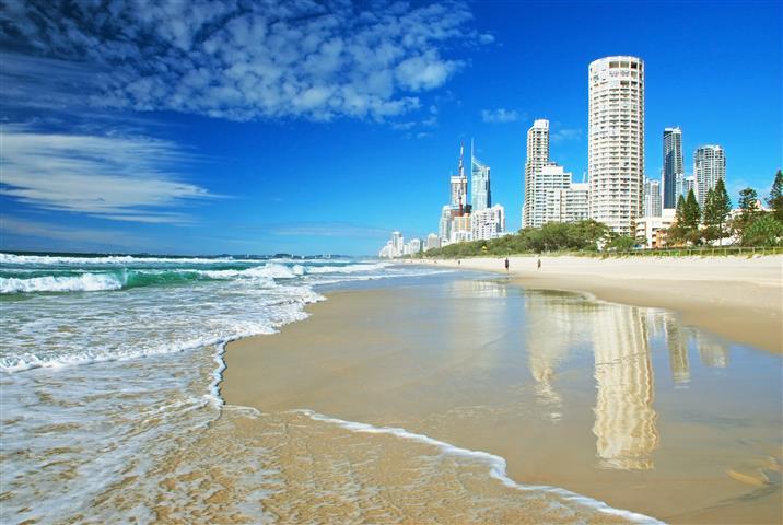 Фотообои океан небоскреб волна песок