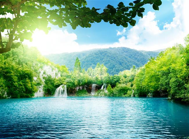 Фотообои море водопад озеро горы
