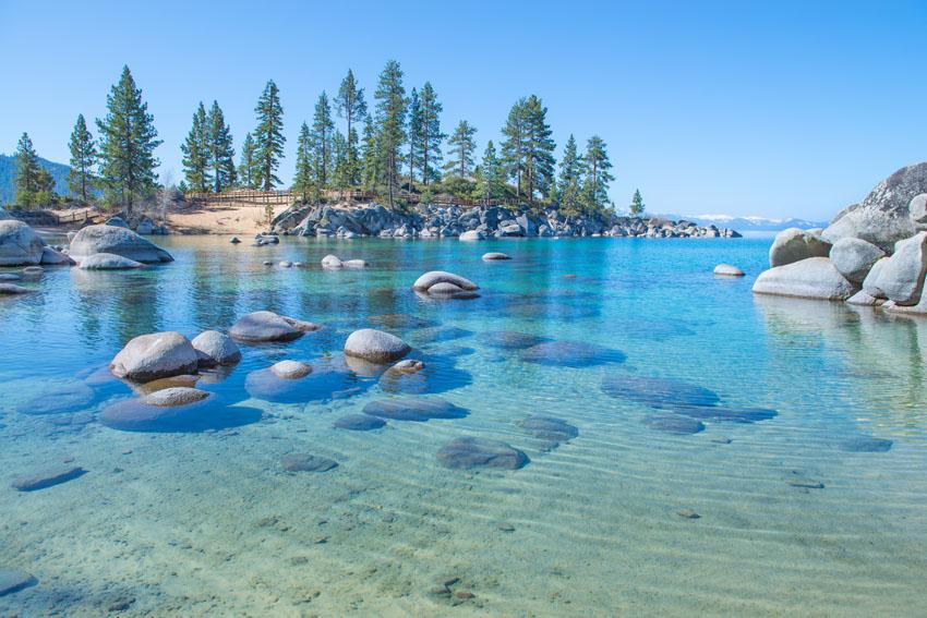 Фотошпалери море небо камінь дерева