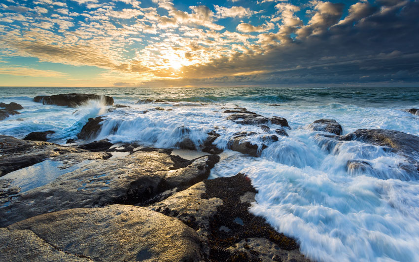 Фотошпалери море камені захід сонця хвилі