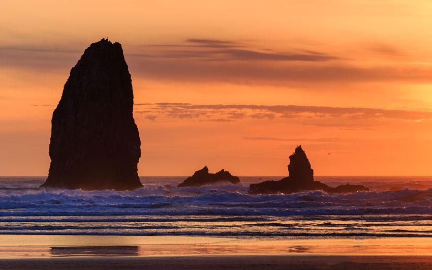 Фотошпалери море камені захід сонця скелі