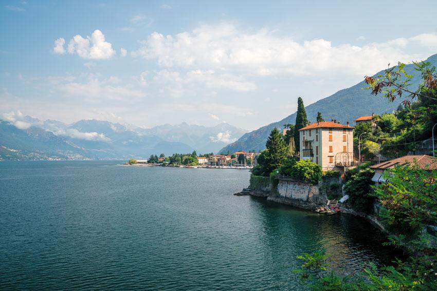 Фотообои море Италия деревня залив